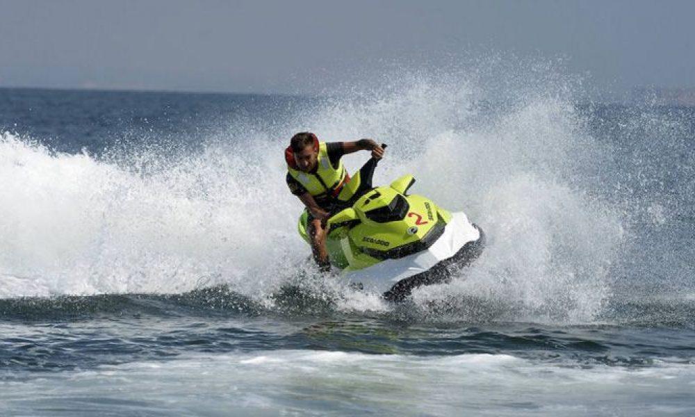 Surcar el Mar Menor en caballos acuáticos
